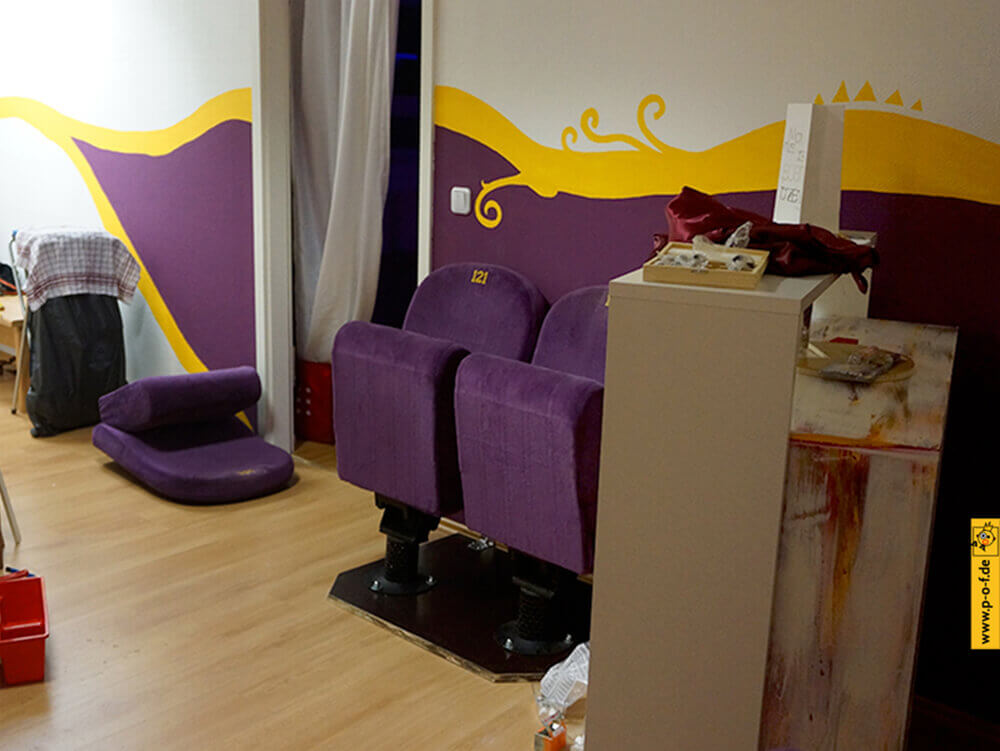 Allongé Studio 1 - Tanzstudio wird angemalt