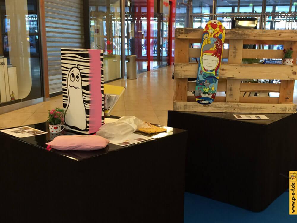 upcycling Ausstellung 2016 - Exponate Hocker, Kissen, Deck